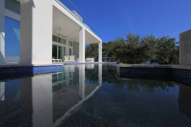 Tampa Pool Builder - Hive Outdoor Living custom pool reflection